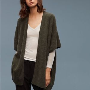 Aritzia - Iconic Cape (Community)